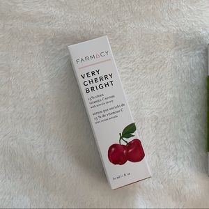 Farmacy Very Cherry Bright Serum